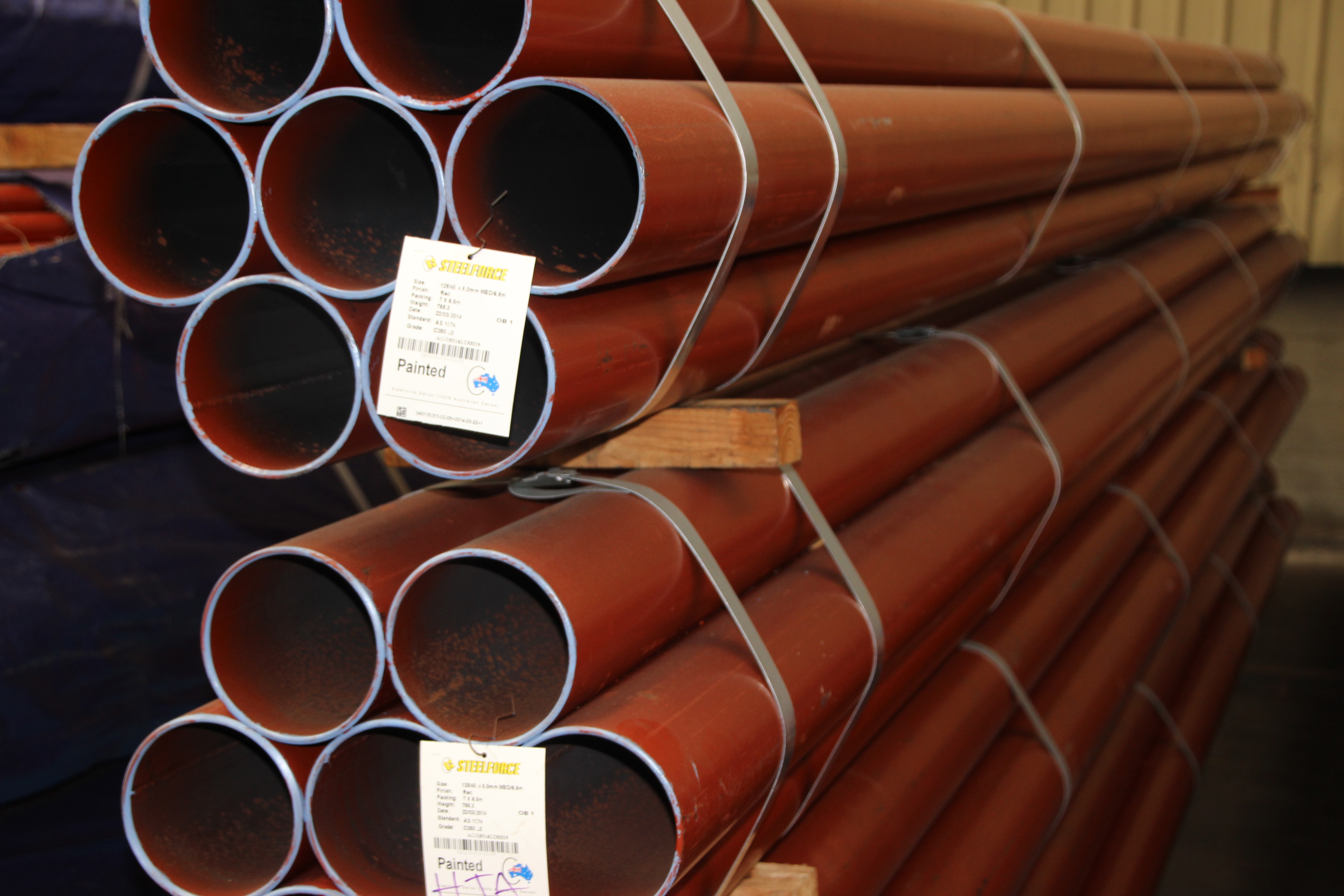 Primed Pipe – Painted Red – Plain End